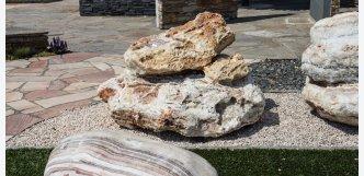 fontána z kamene onyx