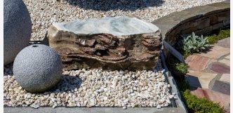 oválná fontána na zahradu