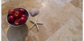obkladovy kamen do koupelny travertin