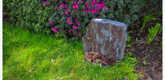 fontána z přírodního kamene