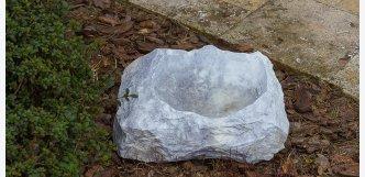 noblesní kamenné pítko