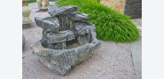 exkluzivní kamenná fontána