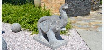 slon z přírodního kamene