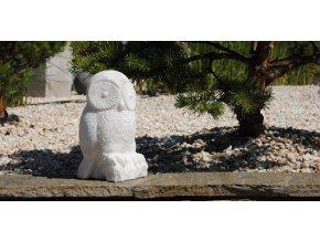 Bílá sova z mramoru