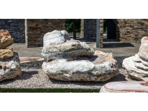Kamenná fontána Onyx 2