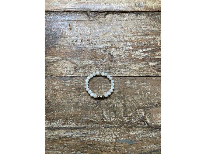 Prstýnek z perliček se zlacenými fazetami Ag925