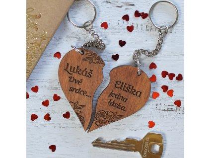 """Klíčenka """"Dvě srdce, jedna láska..."""" se jmény na míru"""