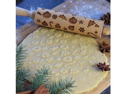 Embosovaný váleček na pečení - vánoční ozdoby