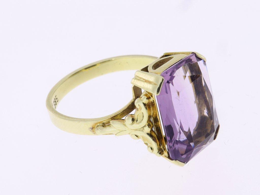 Zlatý prsten, ametyst