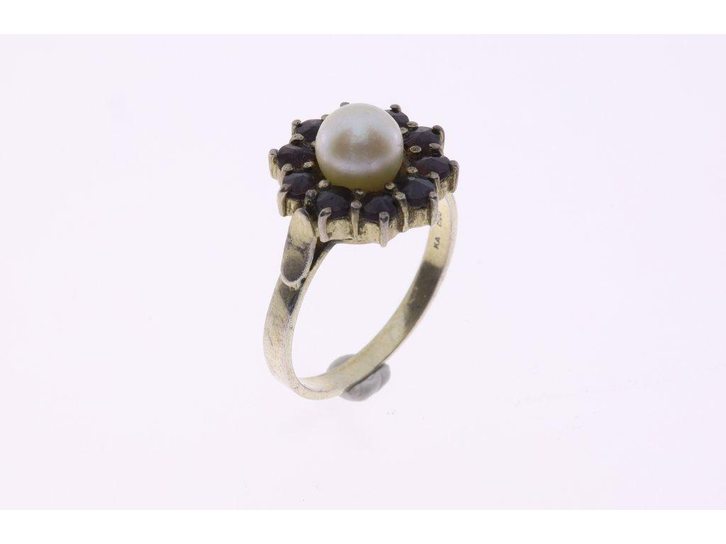 Prsten a perla