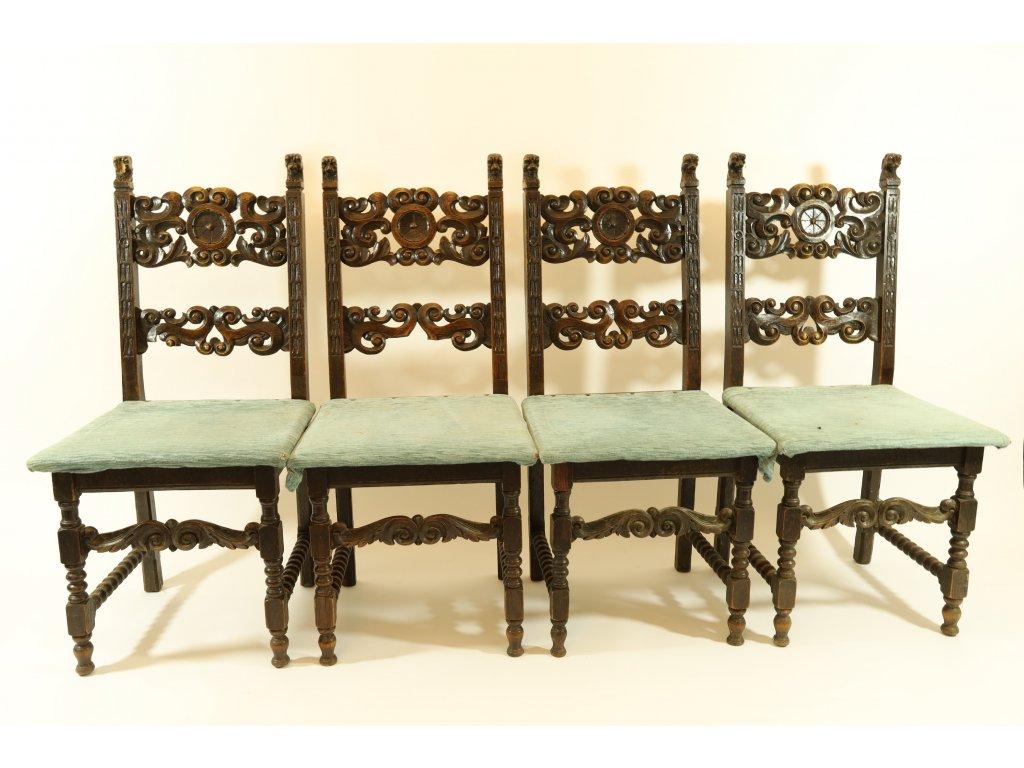 Set čtyř židlí