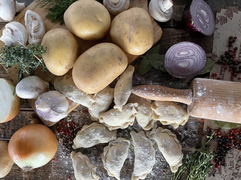 Vareniki s brambory a houbami