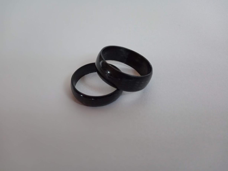 Karbonové (snubní) prstýnky