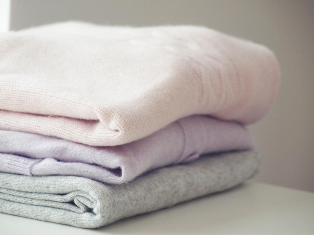 Jak uskladnit kašmírový svetr?