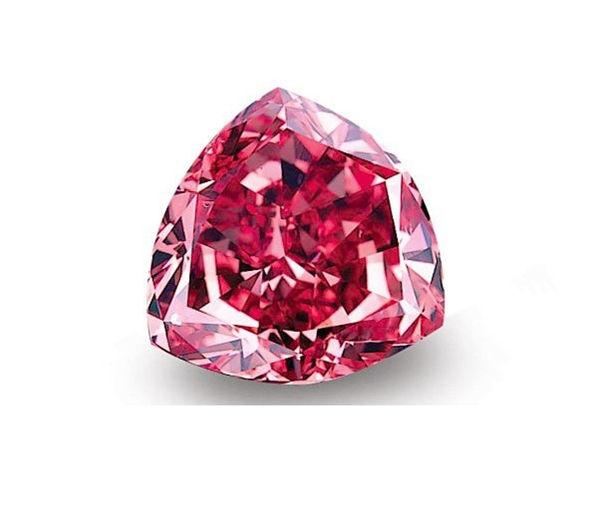 Duben patří diamantům