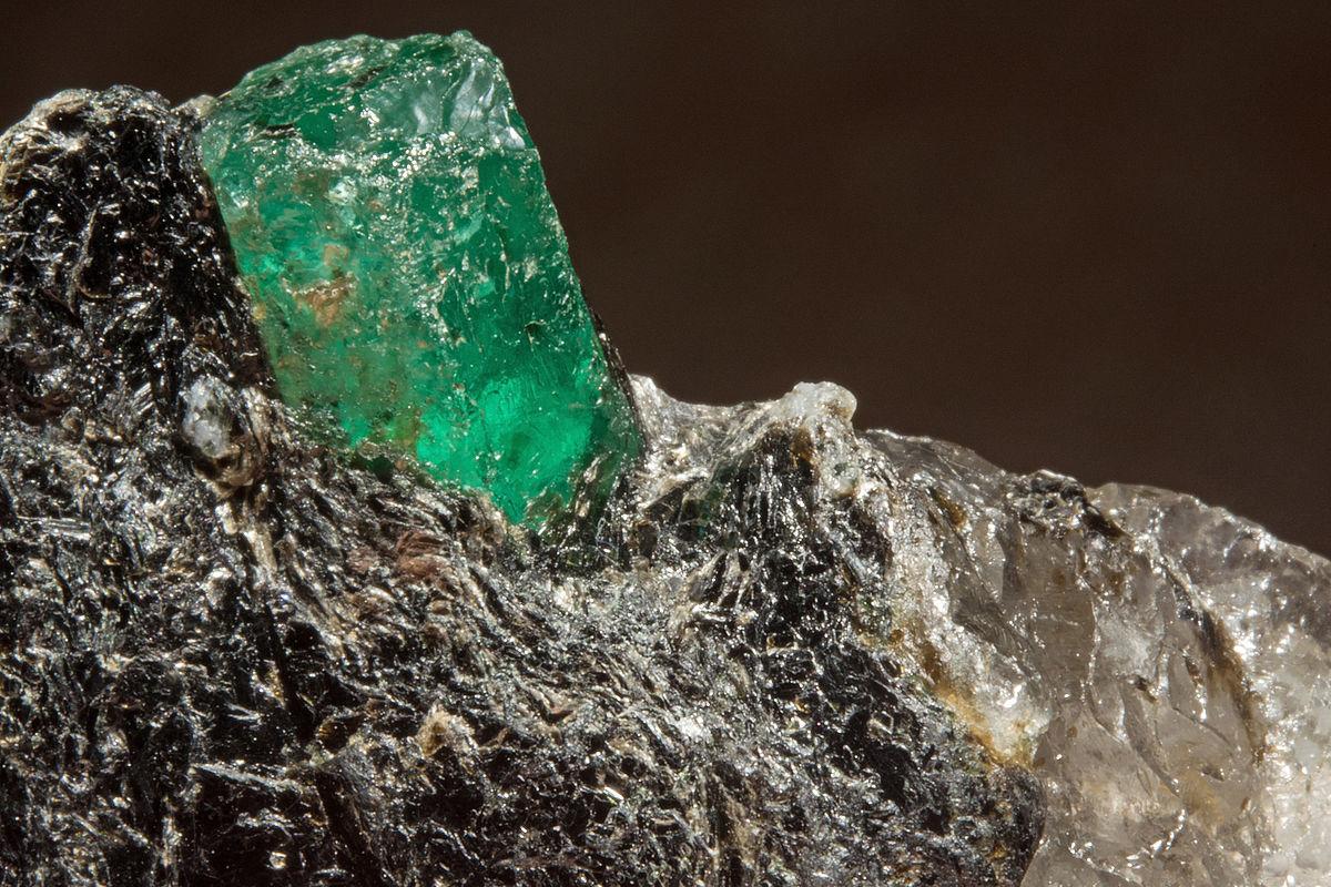 Émeraude,_phlogopite,_quartz_7100.0055