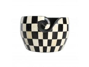 Dřevěná miska na klubka vzor šachovnice