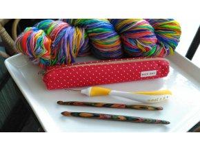 Kabelka na pomůcky pro pletení a háčkování více barev