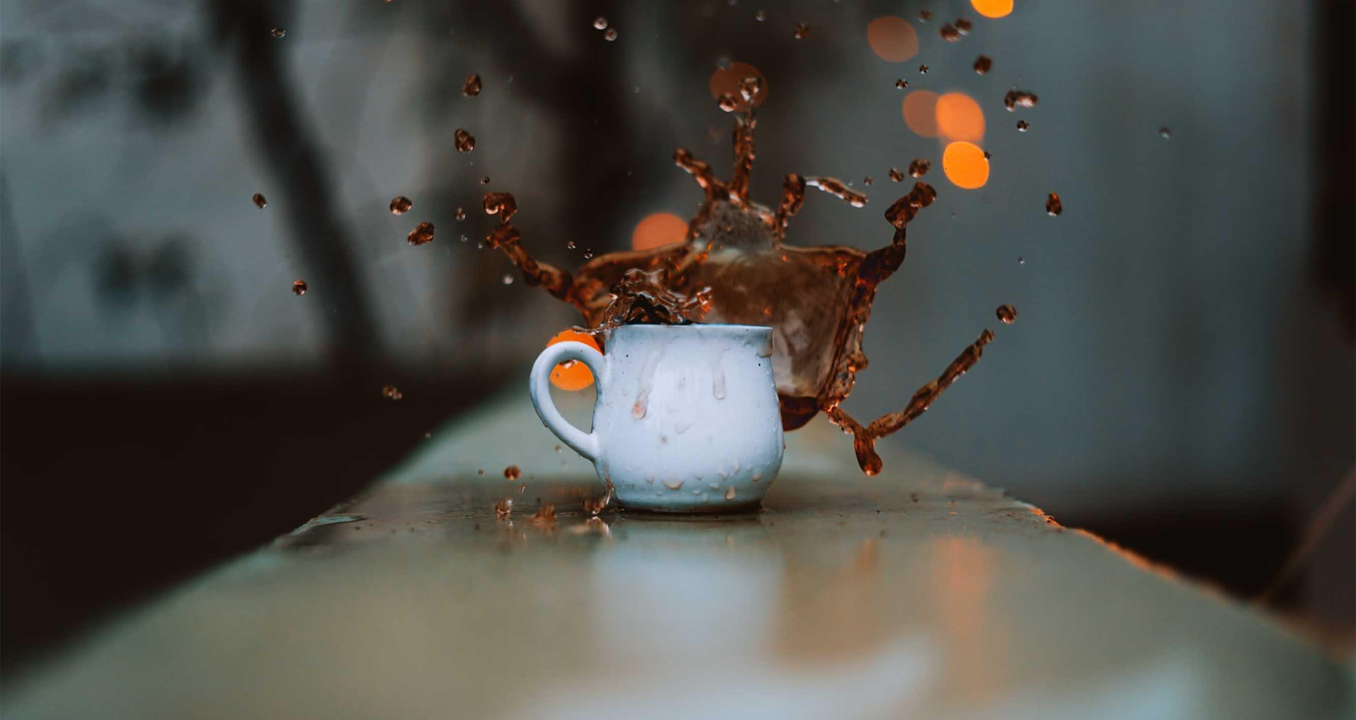 Jak se dělá instantní káva? A v čem se liší od zrnkové
