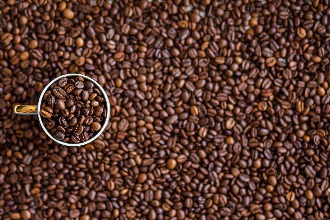 Kávové statistiky: zaplavení Brazílií i slabost pro gourmet nápoje
