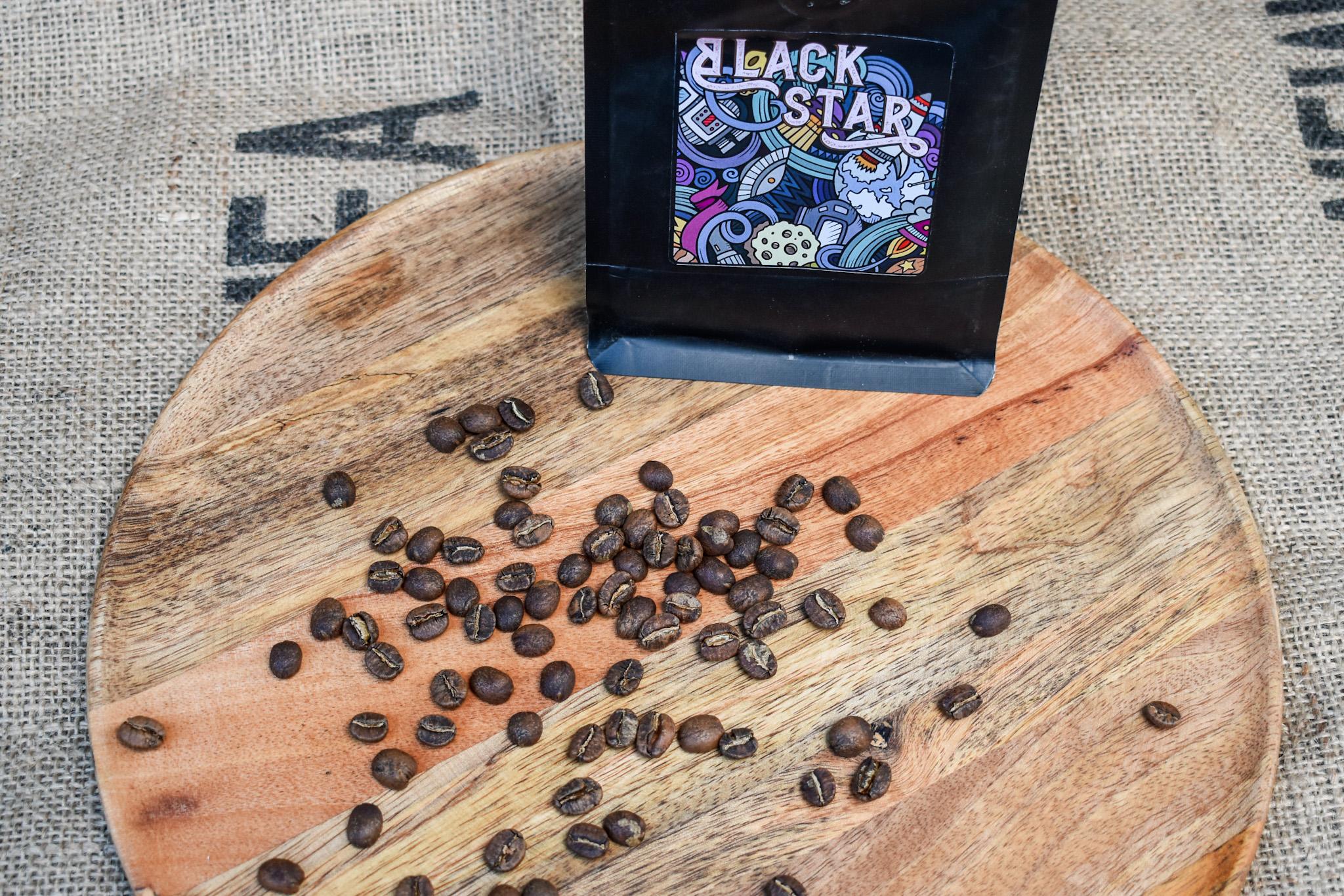 Keňa Kagongo - jemná a sladká, skoro až čajová káva na filtr