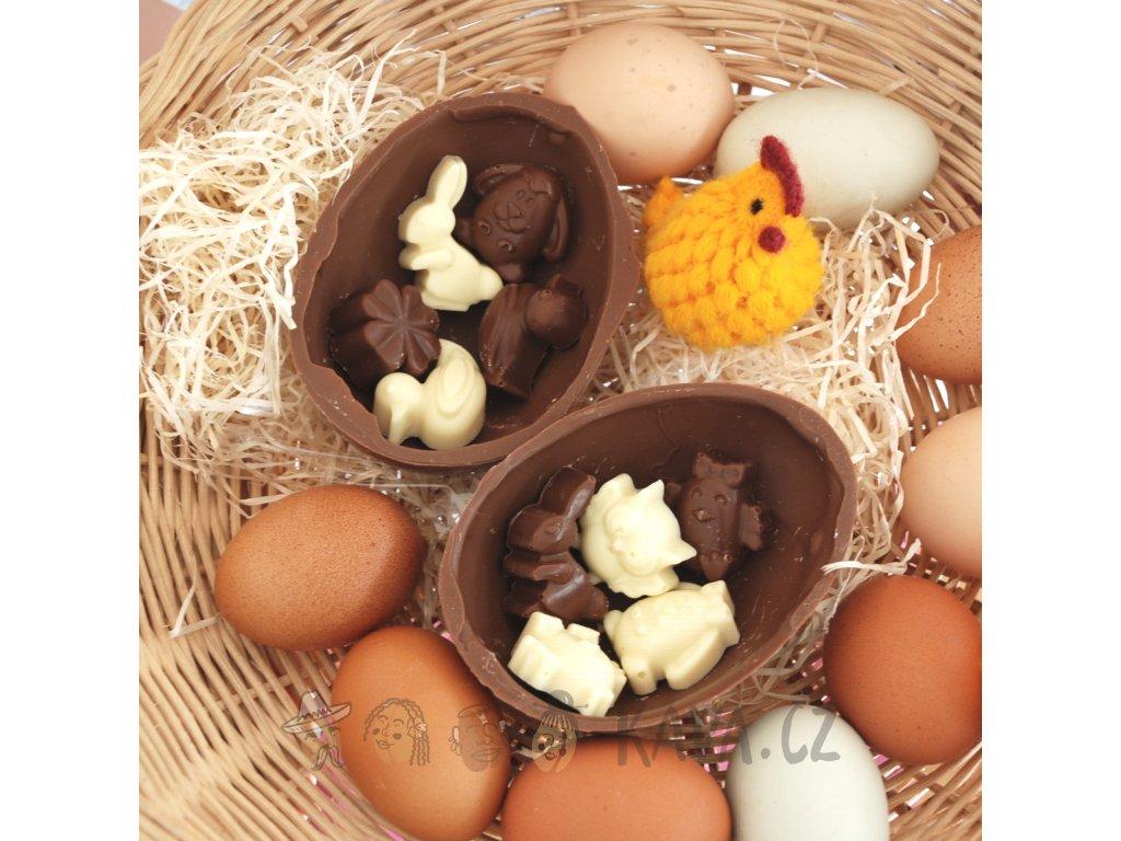 Velikonoční vajíčko plné figurek