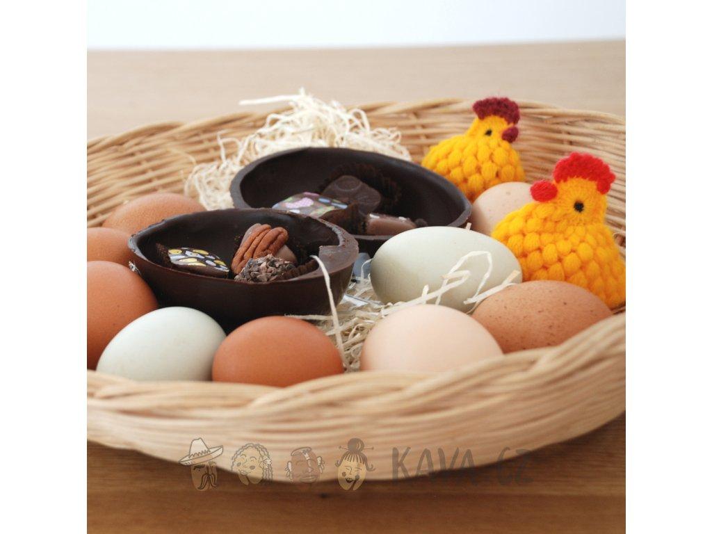 Lucie Glaister vajíčko plné pralinek