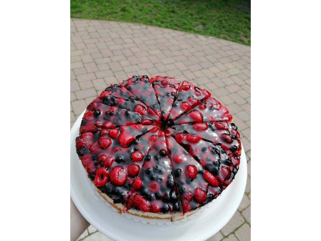 Jogurtový dort s lesním ovocem