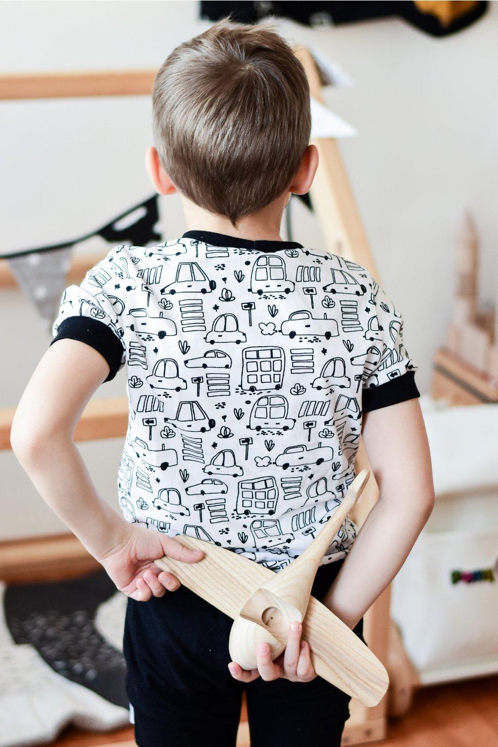Vybarvovací tričko - auta