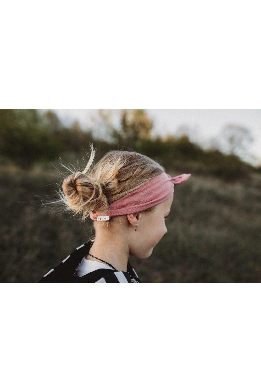 Růžová čelenks