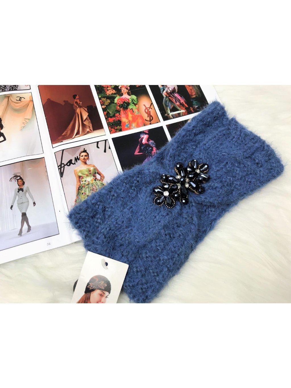 modrá pletená čelenka s perlam,kamienkami