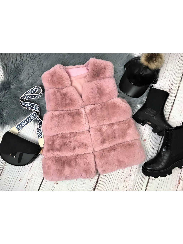 ružová kožušinová vesta