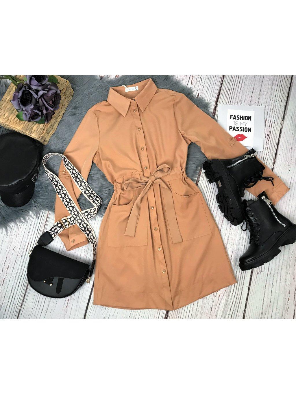 hnedé šaty s gombíkmi na viazanie v páse