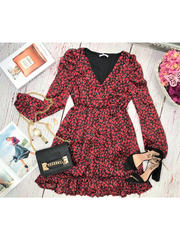 čierne šaty s červeným ružami
