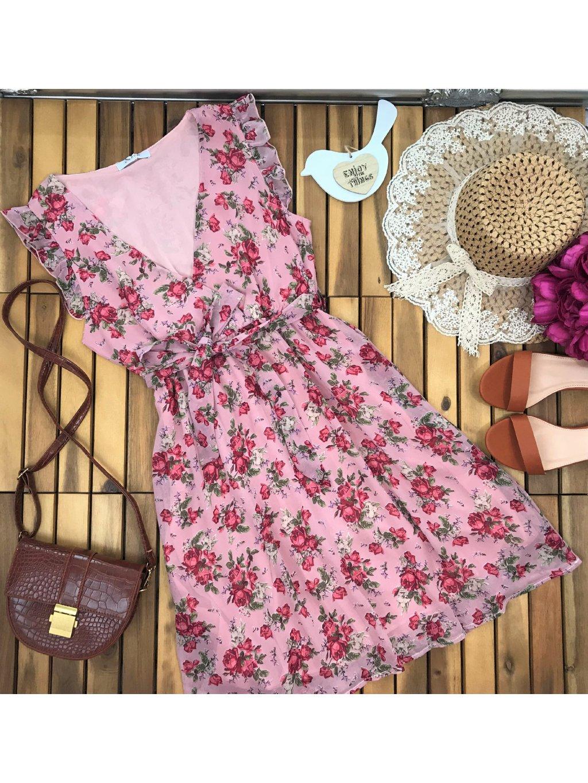 ružové kvetinové šaty