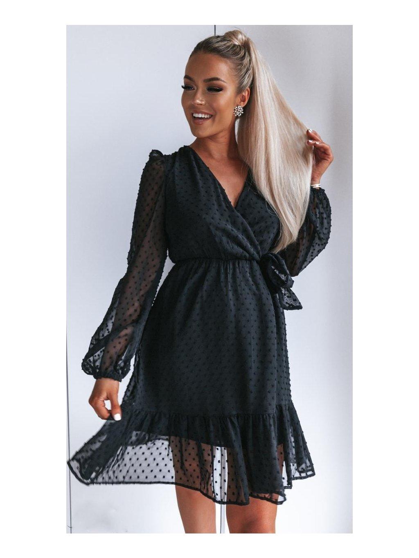 čierne šaty s dlhým rukávom