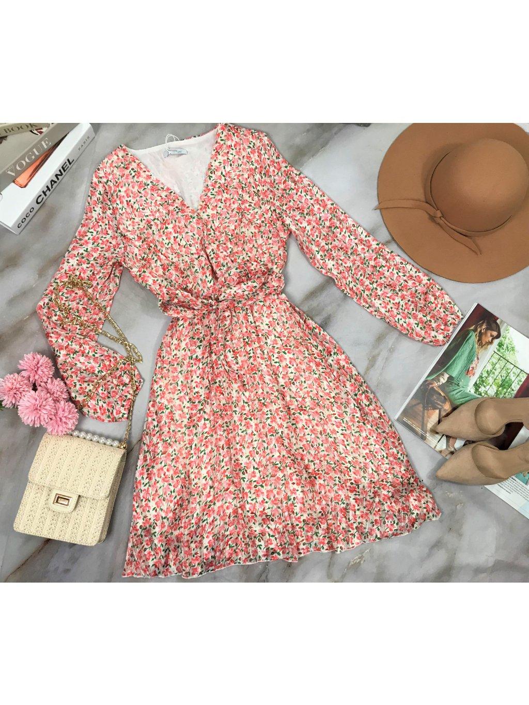 kvetované šaty s dlhým rukávom
