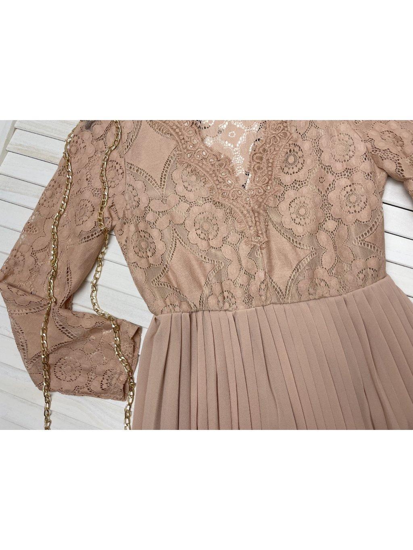 čipkované šaty s plisovanou sukňou
