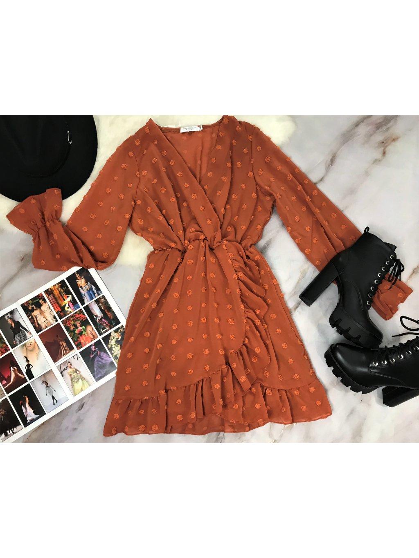 hrdzavé oranžovo hnedé šaty