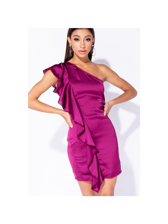 saténové šaty s volánom