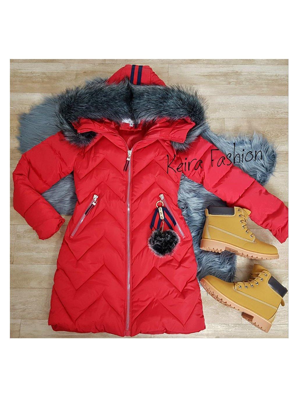 červená zimná bunda s kožušinou