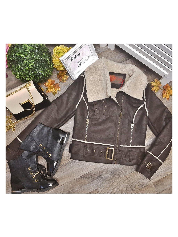 zateplený tmavohnedý kabát
