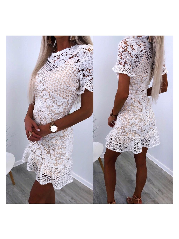 nádherné biele šaty