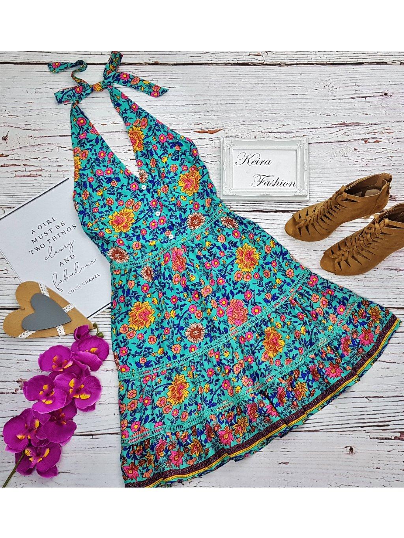 letné vzorované šaty