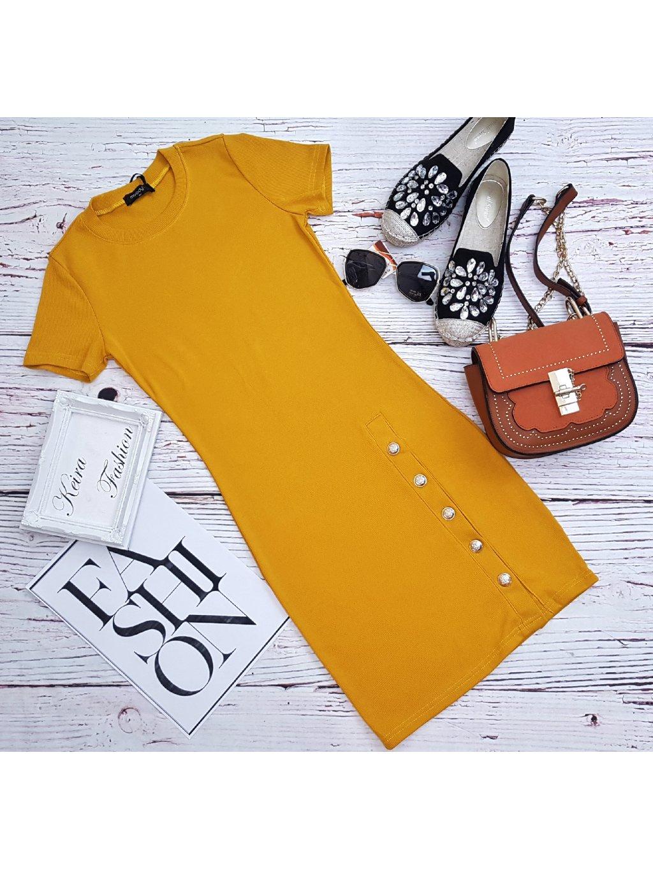 rebrované žlté šaty