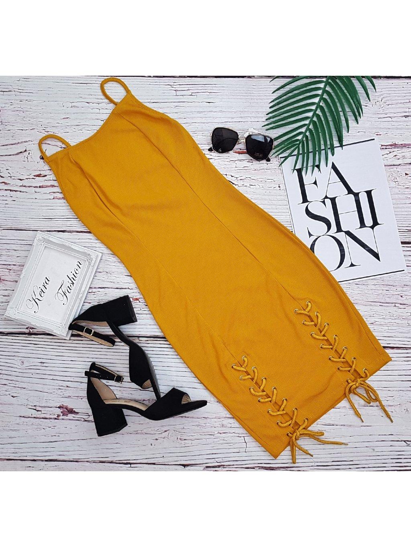 žlté vrúbkované šaty na leto