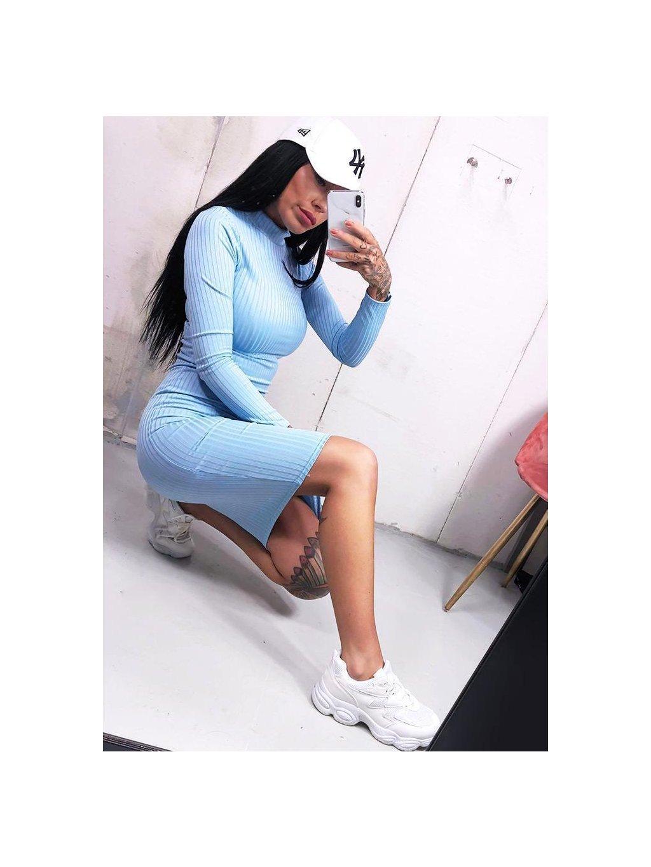 vrúbkované midi šaty