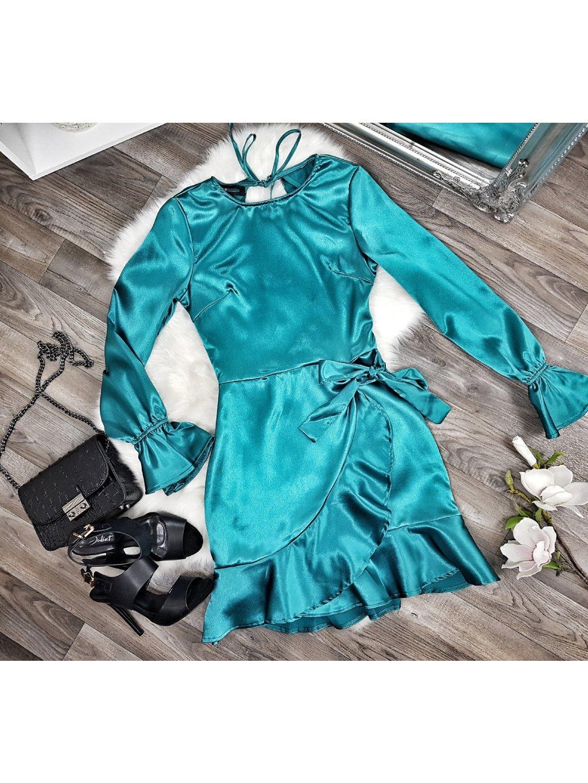 saténové šaty tyrkysové