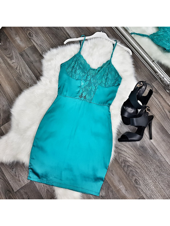 saténové tyrkysové šaty s čipkou