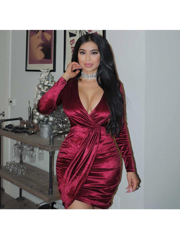 bordové zamatové šaty